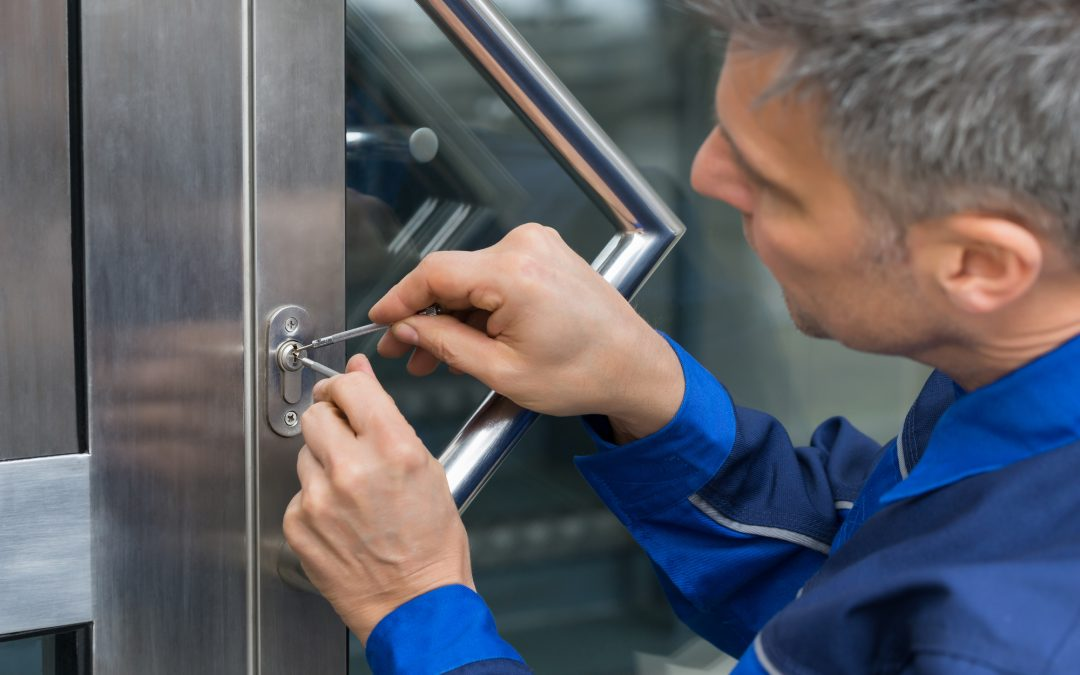 What to Expect When You Call a Locksmith