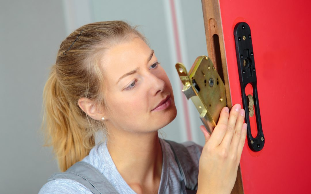 Locksmith Fees: Understanding How Locksmiths Charge for Their Services